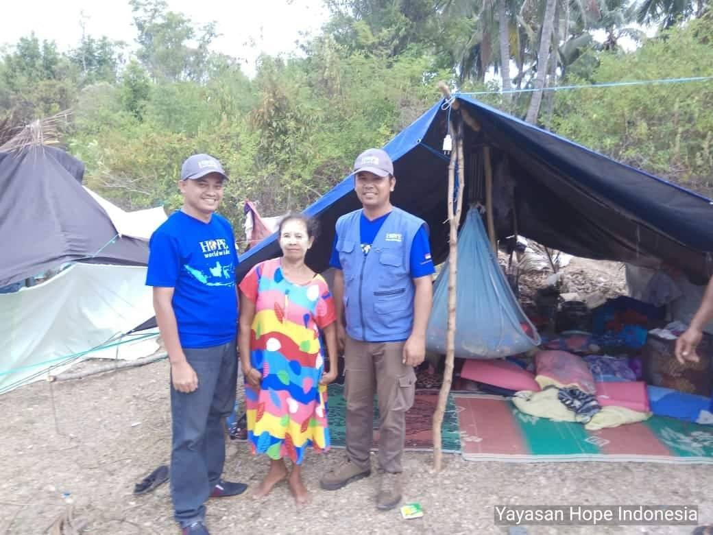 Shelter kit: Tarpaulin (4x6m) +Ropes